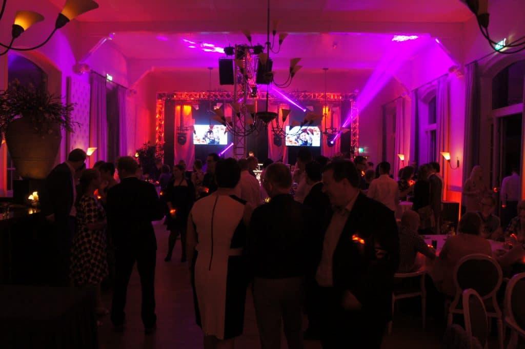 Liefdevoorfeest.nl Bruiloft DJ / Discoshow uit Arnhem,Nijmegen